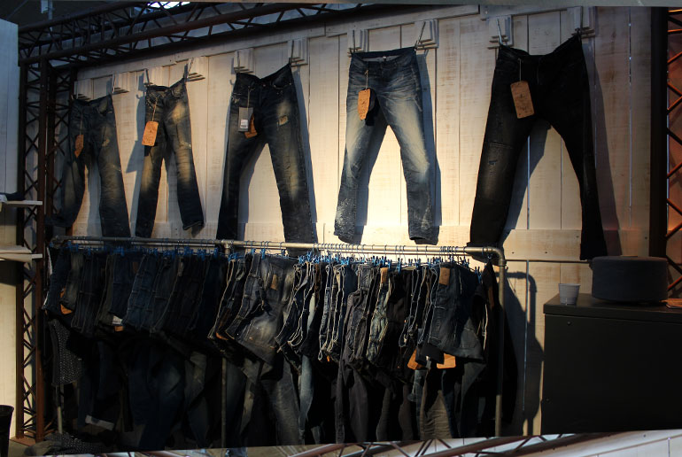 stand-denim-by-premiere-vision_denim-valley_2013_kilo-diseno-industrial-grafico_18